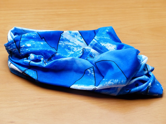 modrý šátek