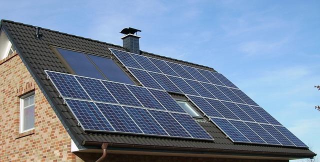 solární panely array.jpg