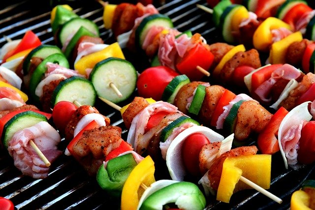zeleninové špízy na grilu