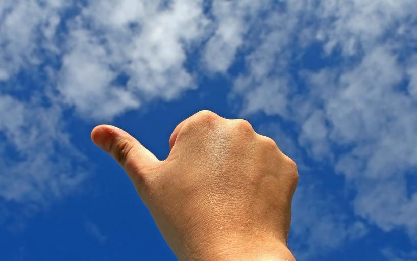 palec nahoru